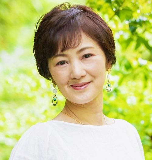 美肌コスメ化粧品アールキュービック女性社長